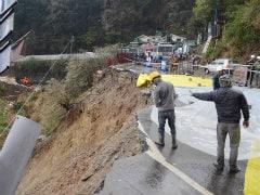 Landslide Blocks Shimla-Kalka National Highway, Hundreds Of Vehicles Stranded
