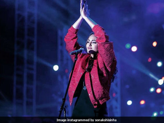 Sonakshi Sinha Says She's Not Performing With Justin Bieber After All. 'Just Chill'
