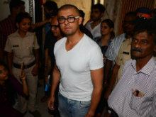 Sonu Nigam Shaves Head, 'Bande Mein Hai Dum,' Says Twitter