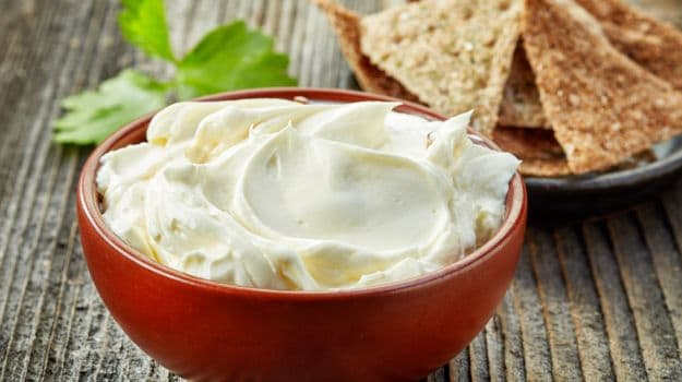 Here's How You Can Use Sour Cream To Make Some Delicious Meals