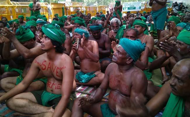 तमिलनाडु में किसानों के कर्जमाफी के हाईकोर्ट के आदेश पर सुप्रीम कोर्ट ने लगाई रोक