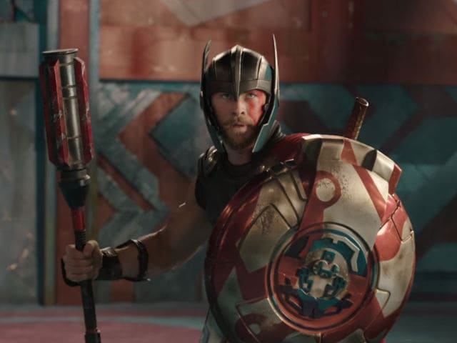 Thor: Ragnarok Teaser - Thor's Hammer Destroyed And A Fight With Hulk. Enough Said