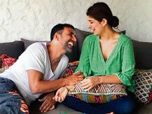 <I>Padman</I>: Twinkle Khanna Laughs Off 'Imaginary' Controversy, 'Say I Sold My <i>Mangalsutra</i> Too,' She Tweets