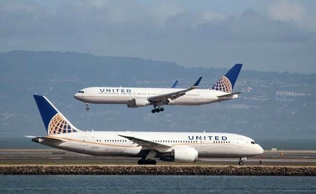 United Resumes Newark-Delhi Flights After Halt Due To Poor Air Quality