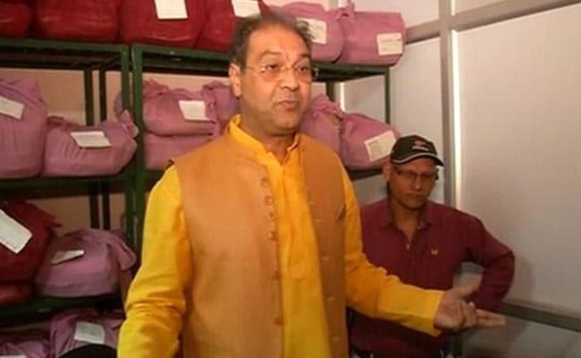 एक्शन में सीएम योगी आदित्यनाथ के मंत्री, अचानक पहुंचे दफ्तरों का मुआयना करने