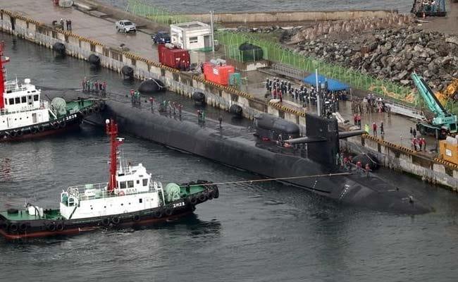 USS Carl Vinson stages war drills with S. Korean Navy