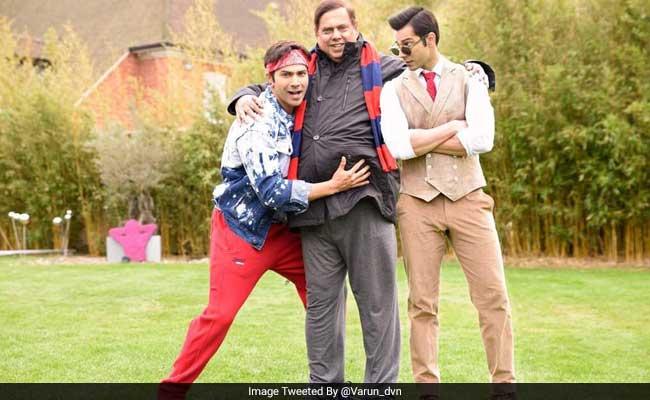 वरुण धवन ने अपने 'जुड़वां' भाई के साथ मनाया अपना जन्मदिन