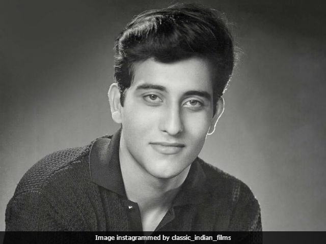 Vinod Khanna Dies. 'Will Miss You,' Tweet Rishi Kapoor, Rajinikanth