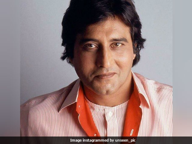 Veteran actor Vinod Khanna cremated, Bollywood pays tribute