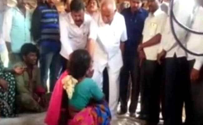 Ahead Of Karnataka By-Poll, BS Yeddyurappa Caught On Camera Giving Cash