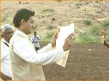 Abhishek Bachchan Shares Throwback Pic From <i>Guru</i>