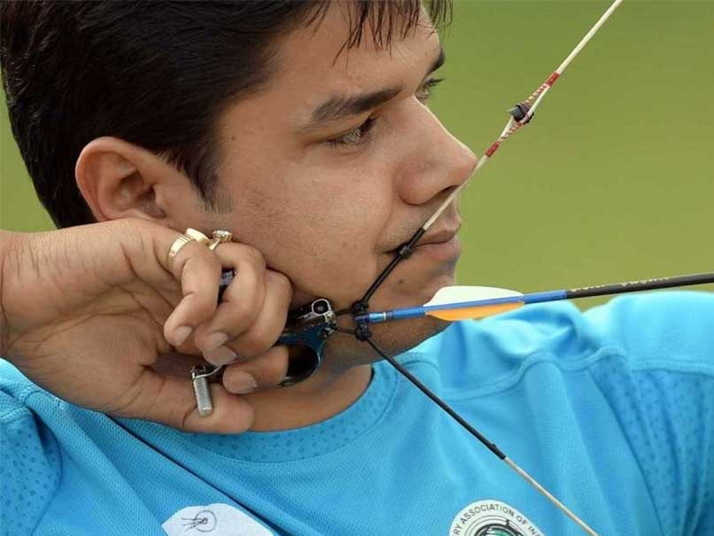 India strikes gold in men`s compound team event