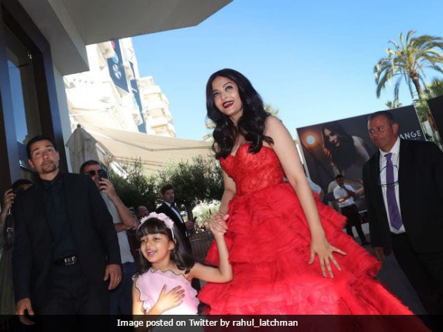Cannes Film Festival: Aishwarya Rai Bachchan's Daughter Aaradhya Steals The Show