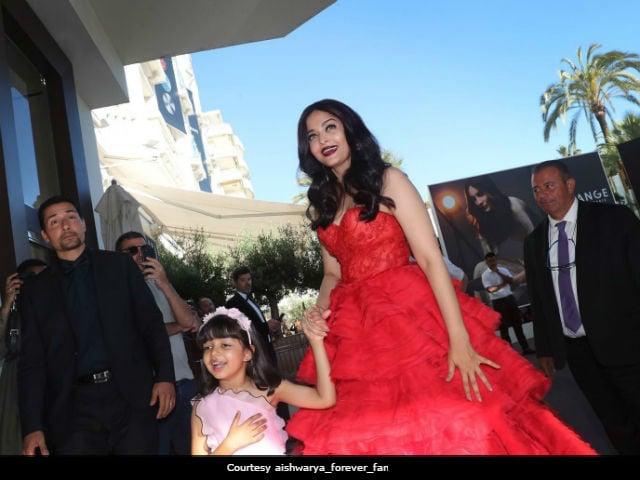 Cannes Fashion: Aishwarya Rai Bachchan's Disney Princess Look Was Her 'Playing Fancy Dress' For Aaradhya