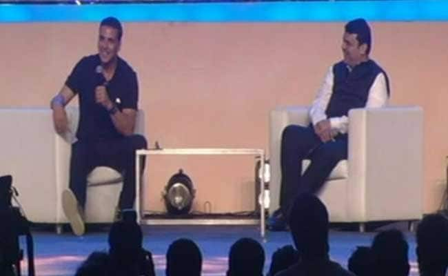 Build More Toilets In Maharashtra, Says Akshay Kumar. Chief Minister Fadnavis Takes Note