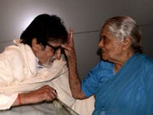 Amitabh Bachchan's Meeting With 103-Year-Old Fan Was 'Special'