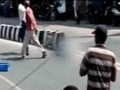 आंध्र प्रदेश में दिनदहाड़े शख्स की हत्या, कोई मदद को आगे नहीं आया, बस वीडियो बनाते रहे...