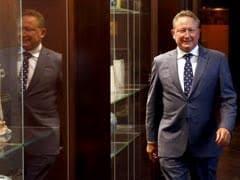 "Australia Prime Minister Praises Magnate Andrew Forrest's ""Game-Changing"" $298 Million Philanthropy"