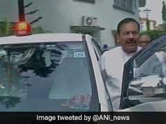 प्रधानमंत्री की अवहेलना कर पश्चिम बंगाल के मंत्री ने कार पर लगाई लालबत्ती, कहा - हमने नहीं लगाई पाबंदी