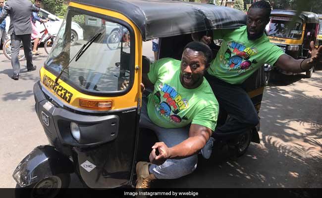 big e kofi kingston wwe mumbai tour