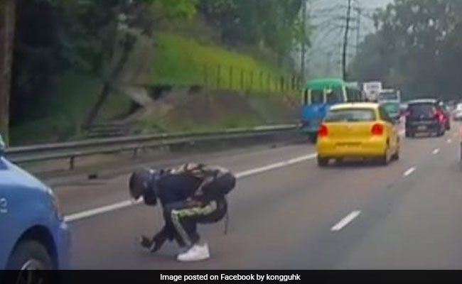Biker Risks Life To Save Kitten From Traffic. Video Seen By A Million