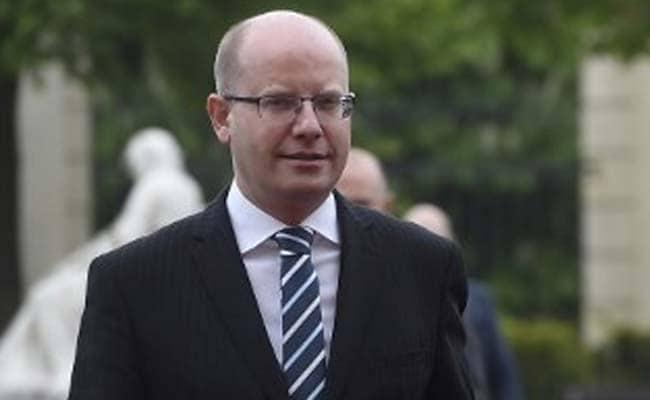 Czech Prime Minister Bohuslav Sobotka Delays Tendering Resignation Until Mid-May