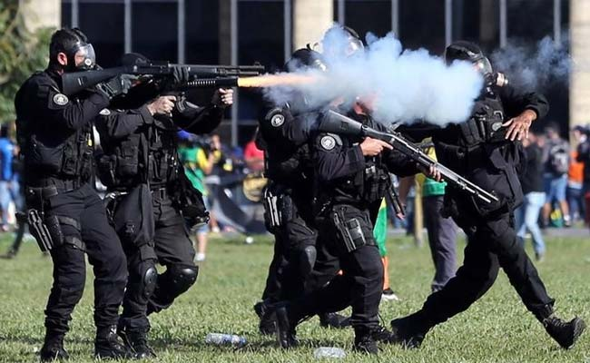 Brazil President Michel Temer Deploys Army As Protesters Battle Police