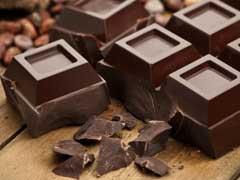 चॉकलेट को सिर्फ खाएं नहीं अपने चेहरे और स्किन पर भी लगाएं, होंगे ये फायदे