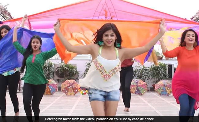 'बद्रीनाथ की दुल्हनिया' पर इन 6 लड़कियों ने किया ऐसा डांस, आप भी थिरकने लगेंगे
