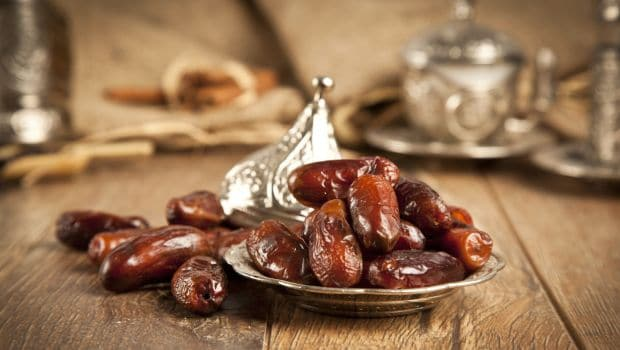 Can You Eat Dates (Khajur) In Summers? We Find Out!