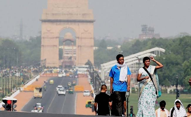 Delhi Records Hottest Day Of Season, Mercury Touches 40 Degress Celsius
