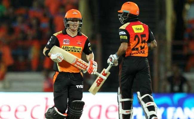 IPL: डेविड वॉर्नर-शिखर धवन की 'जुगलबंदी' का जवाब नहीं, लगातार तीसरे सीजन में मचाया धमाल...