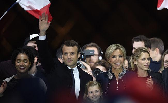 प्राइम टाइम इंट्रो : फ्रांस में राष्ट्रपति चुनाव में मैक्रों की जीत के मायने