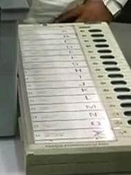 मध्य प्रदेश : नगरीय निकाय चुनाव में 'बराबरी का मैच', बीजेपी और कांग्रेस को 9-9 सीटें