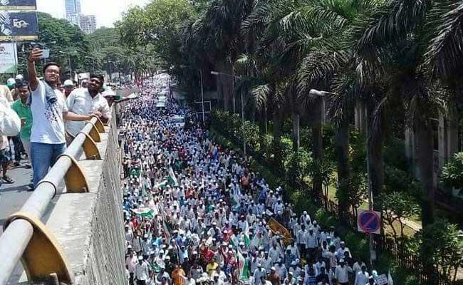 बीजेपी समर्थित सांसद की अगुवाई में किसानों ने किया बीजेपी की सरकारों का विरोध