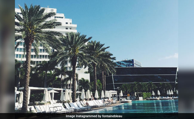 2 shot outside Miami Beach's Fontainebleau Hotel