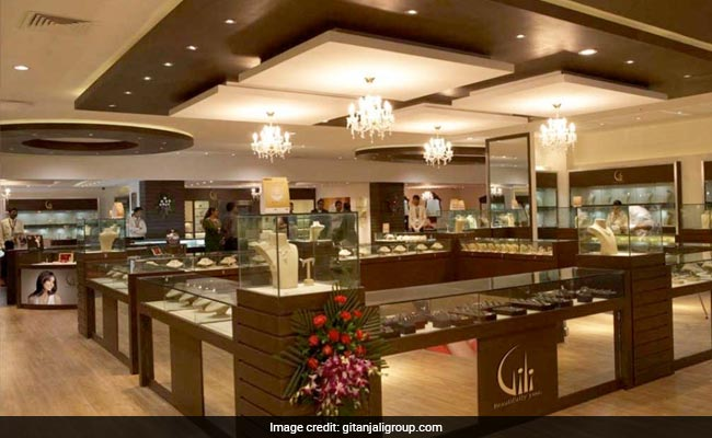 Gitanjali Gems tanks 20%; falls for third straight day