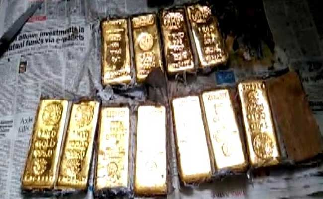 3 Kgs Of Gold, Worth Rs 1.15 Crore Recovered From Aircraft In Chennai