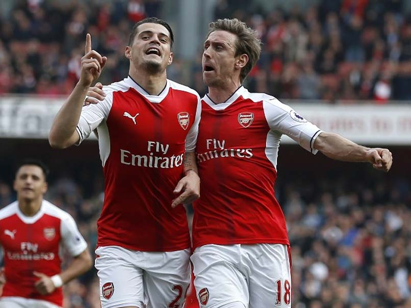 Premier League: Arsenal Sink Manchester United To Revive Top Four Bid, Liverpool Held