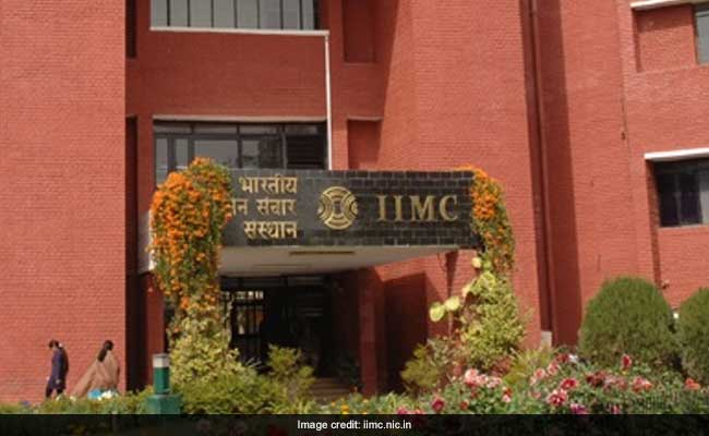IIMC Director General Defends Move To Allow 'Yajna' On Campus