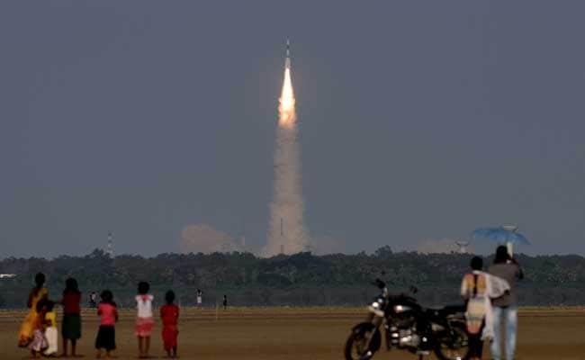 इसरो के पूर्व प्रमुख ने इंसान को अंतरिक्ष में भेजने वाले रॉकेट के इस्तेमाल की वकालत की
