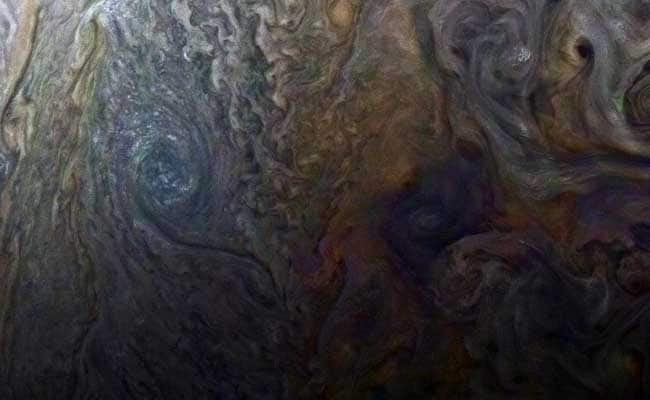 US Spacecraft Finds Cyclones, Ammonia River On Jupiter