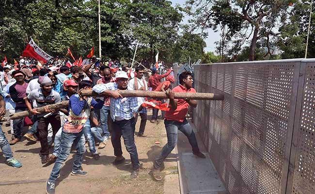 kolkata protest clash pti