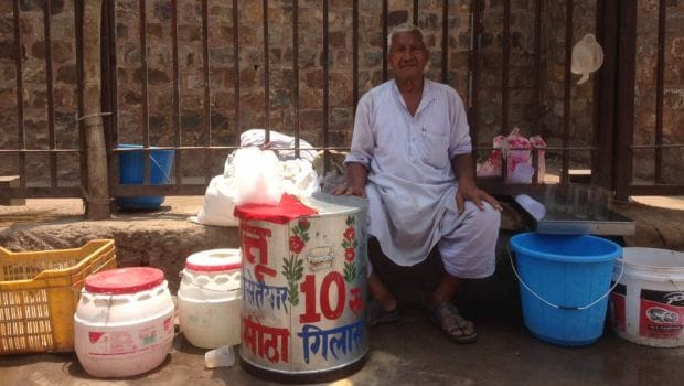 Selling Sattu ka Ghol For 40 Years in Old Delhi, Here's Mahinder Singh's Story!