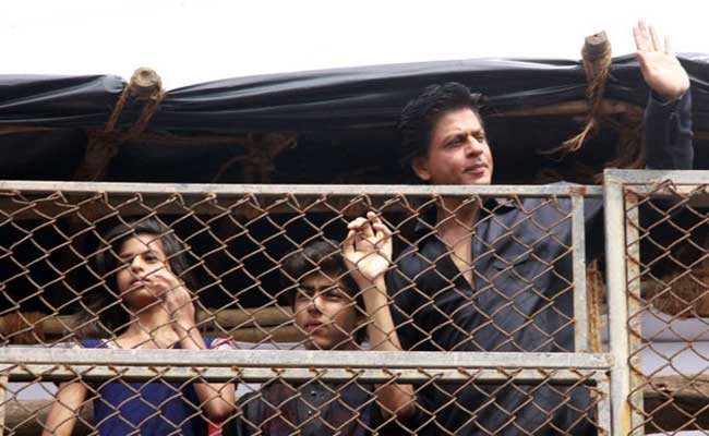 'Missing' Nashik Girls Traced Outside Shahrukh Khan's Bungalow 'Mannat'