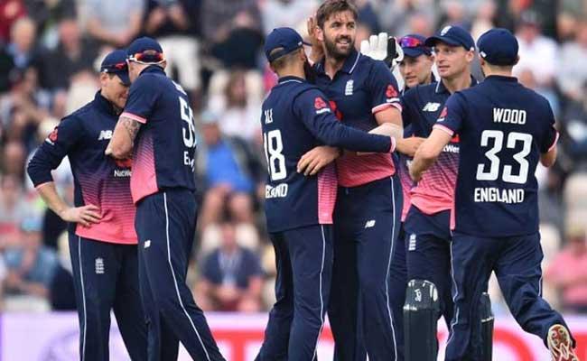 विस्फोटक मोरिस-मिलर की जोड़ी को मार्क वुड ने 2 रनों के लिए तरसाया और जीत गया इंग्लैंड