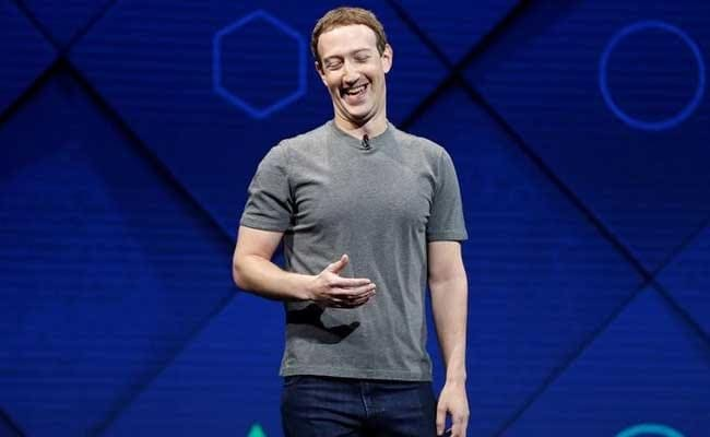 Facebook Founder Mark Zuckerberg Returns To Harvard As Graduation Speaker