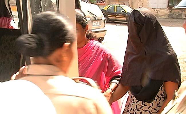 पैसे के लिए मां ने की नाबालिग बेटी की अधेड़ से जबरदस्ती शादी, ऐसे खुला मामला