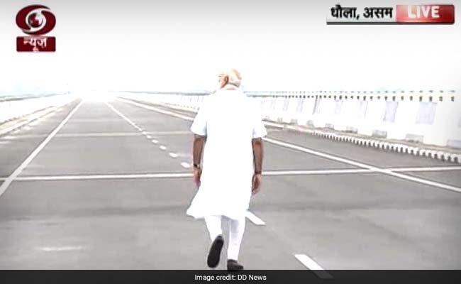 ढोला-सादिया पुल का उद्घाटन : जब कुछ देर पुल पर अकेले टहले पीएम नरेंद्र मोदी