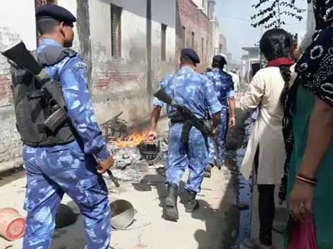 After caste clashes in UP\'s Saharanpur, senior police officer SC Dubey and top officer NP Singh sacked